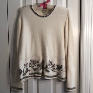 Eddie Bauer size M cream embroidered sweater EUC